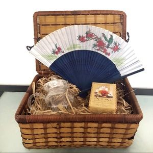 Numi Tea Pot Gift Set Basket